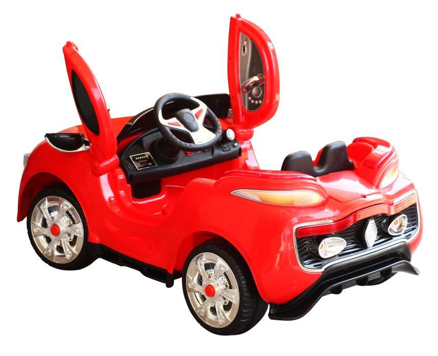 L'auto elettrica HomCom ha le portiere ad ali di gabbiano, apribili quindi verso l'alto, proprio come nelle vere auto sportive