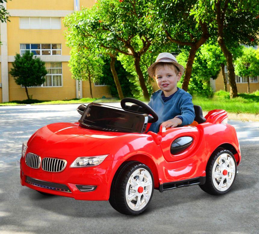 Divertimento assicurato con l'auto elettrica HomCom: vostro figlio sarà felicissimo