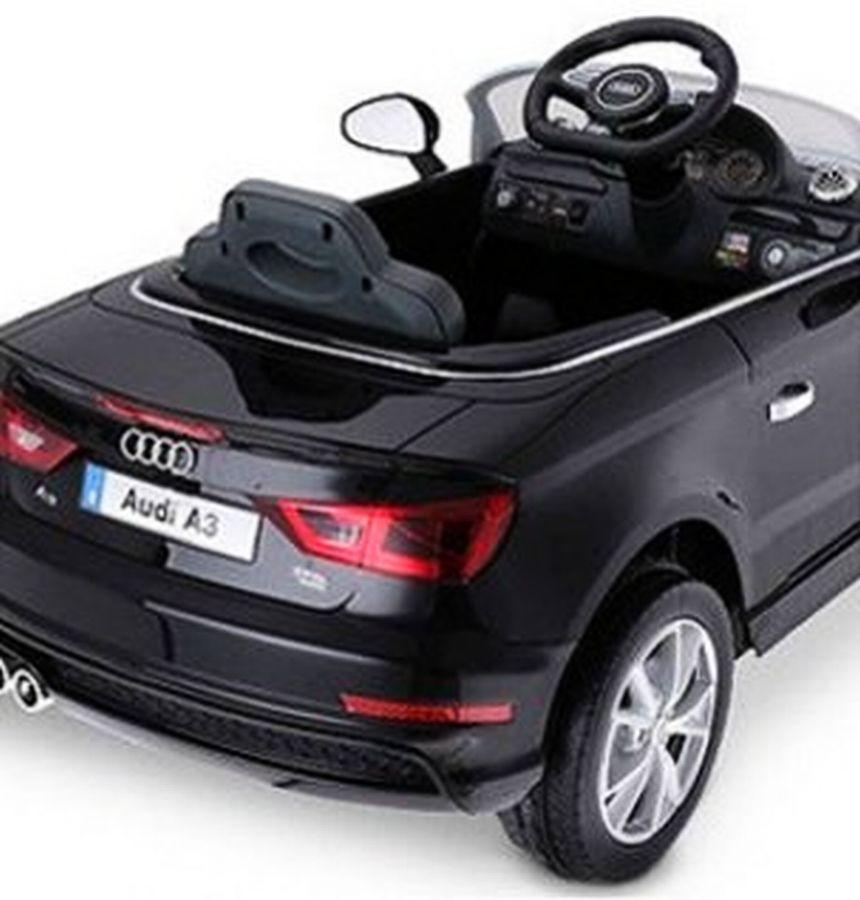 vista posteriore dell'Audi A3 elettrica della BabyCar, che ricordiamo essere dotata di sedile in pelle, fari a LED e telecomando parentale