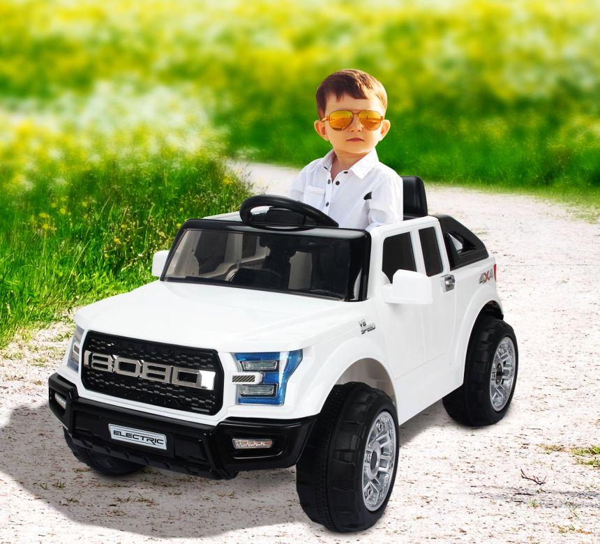 L'auto elettrica HomCom modello Jeep farà felice il vostro bambino e gli garantirà ore di divertimento spensierato