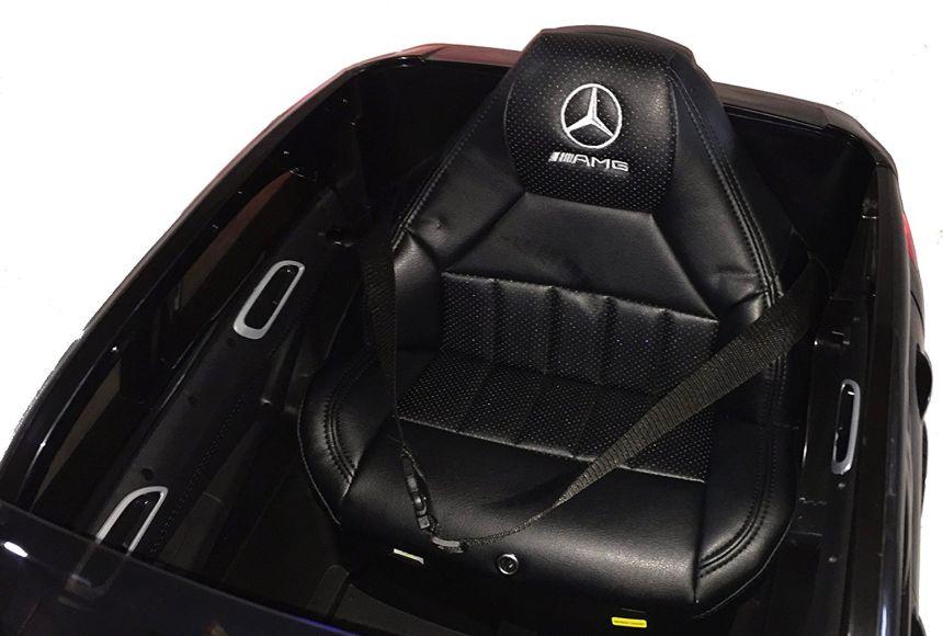 Il sedile in pelle marcato AMG della Mercedes elettrica Lamas Toys, che ricordiamo essere munita di telecomando parentale e adatta a bambini dai 3 anni d'età