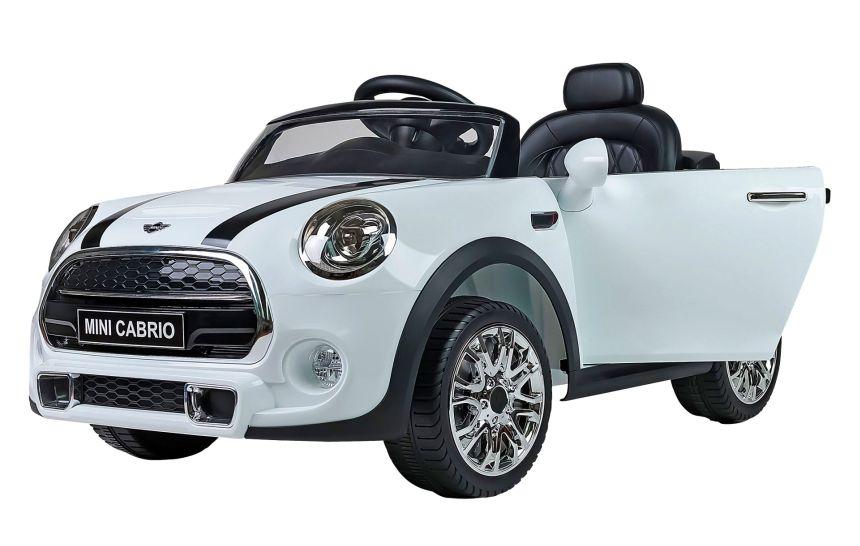 Vista di tre quarti dell'auto elettrica Lamas Toys Mini Cooper
