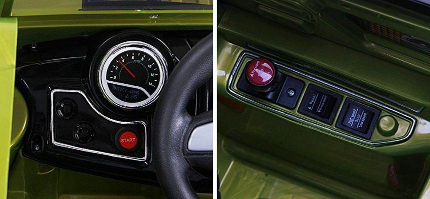Dettagli del cruscotto e del pannello di comando del fuoristrada elettrico HomCom modello Jeep militare
