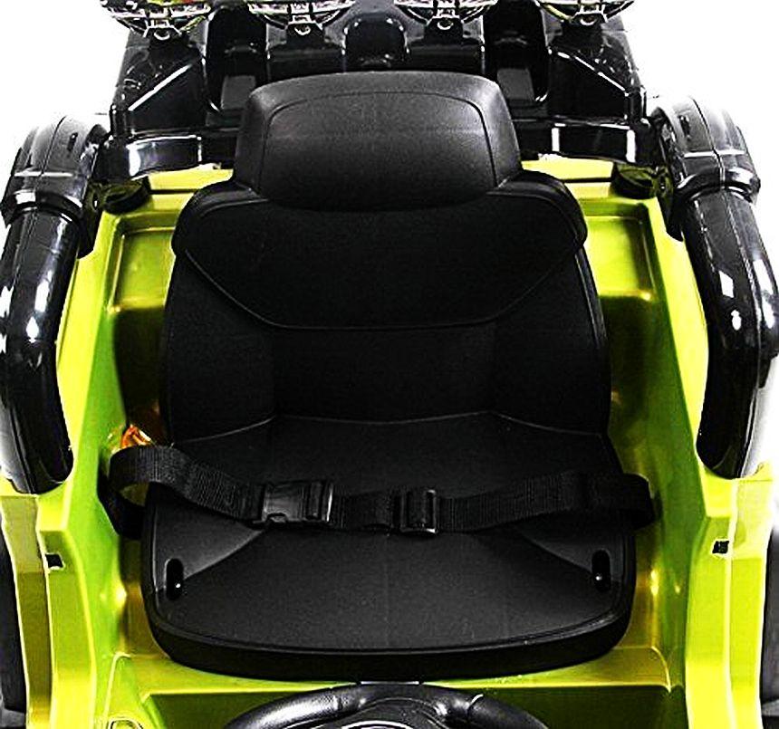 Il sedile con cinture di sicurezza del fuoristrada elettrico HomCom modello Jeep militare, che ricordiamo essere adatto a bambini dai 3 ai 5 anni d'età