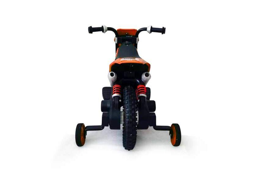 Vista posteriore della moto cross elettrica BabyCar QIKE, dove si vedono bene le rotelle montate su supporti di qualità, per la massima sicurezza di vostro figlio
